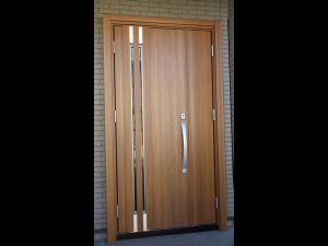 玄関ドア 設置